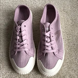 Tretorn purple knit sneaker NEW w/o box! Size 7.5